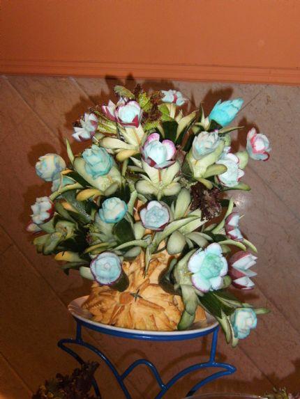 Dekoration av frukt, bla pumpa o rädisor
