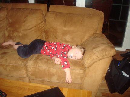 Melvin sover i soffan